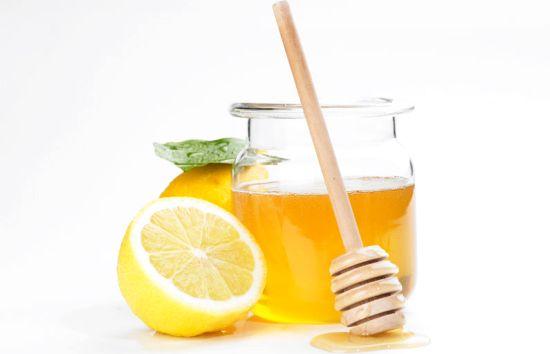 Sirop-de-Lămâie-și-Miere-Pentru-Răceală-–-Cum-se-Prepară
