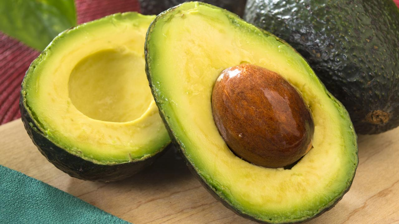 KitchenTips_HowToCutAvocado_042915_AltEnd-img_1280x720